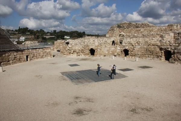 152-Амфитеатр