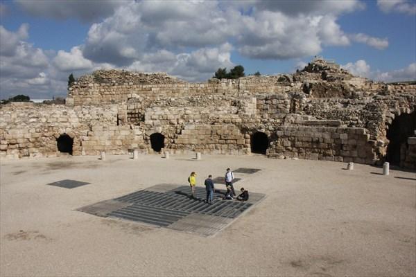 155-Амфитеатр