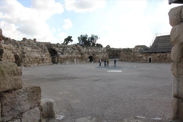 160-Амфитеатр