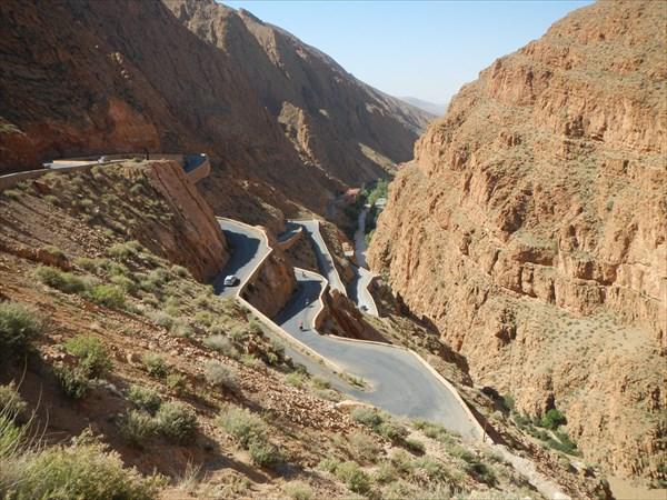 Серпантин в каньоне Дадес