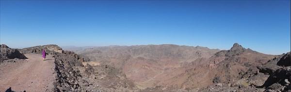 Вид с пер. Tizi-n-Tazazert 2300 м