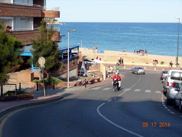 Выезд на главный пляж.