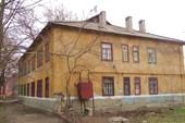 Большинство домов в Старом центре - скромные сталинки