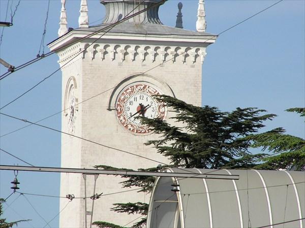 Симферопольский вокзал.Часы.