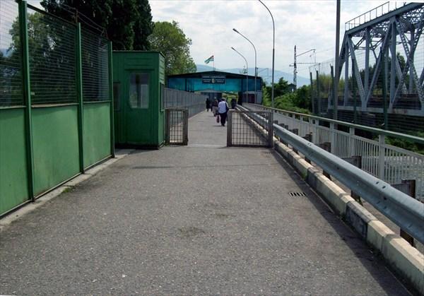 мост через пограничную реку Псоу