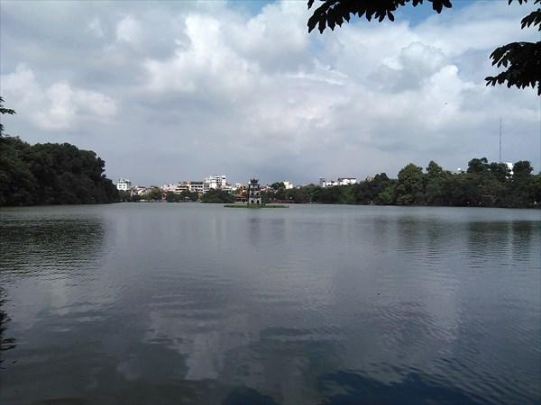 Озеро Возвращеного Меча, Ханой