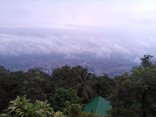 Облачный храм Wat Suthep