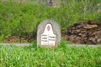 Старый пограничный камень между Нурланном и Тромсов