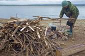 Заготовка дров к зимовке на Лене