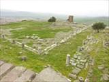 Храм и святилище Афины. От него остался лишь фундамент.