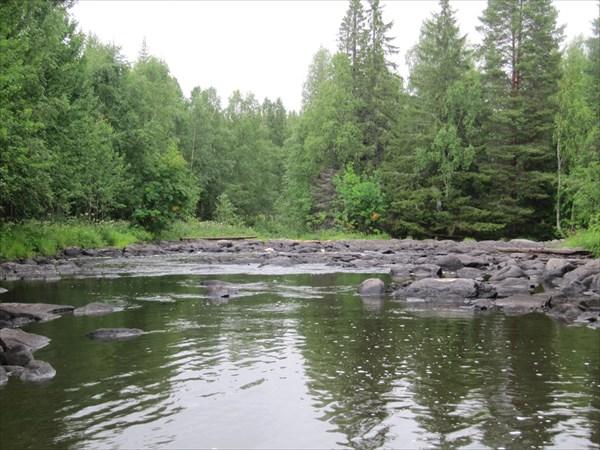 Каменнная река