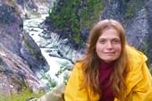 Порог-водопад `Изюминка` и Аня.