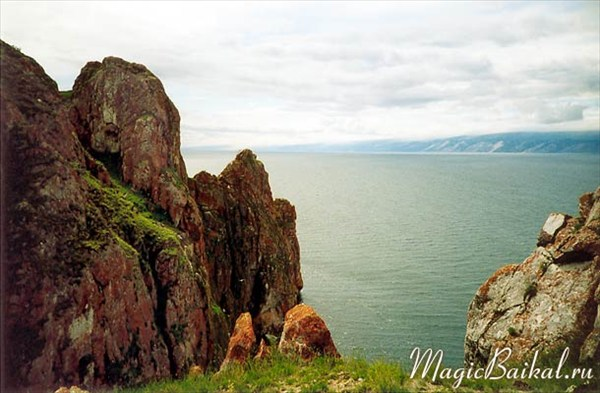Вид с мыса Саган-Хушун на противоположный берег Малого Моря