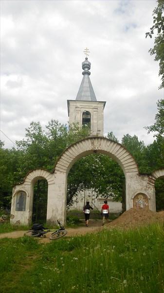 Церковь в деревне Мельницы