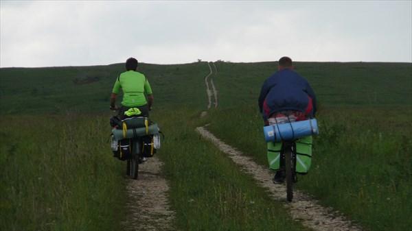 Наш путь. Впереди Андрей и Евгений