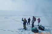 Вышли на лёд водохранилища