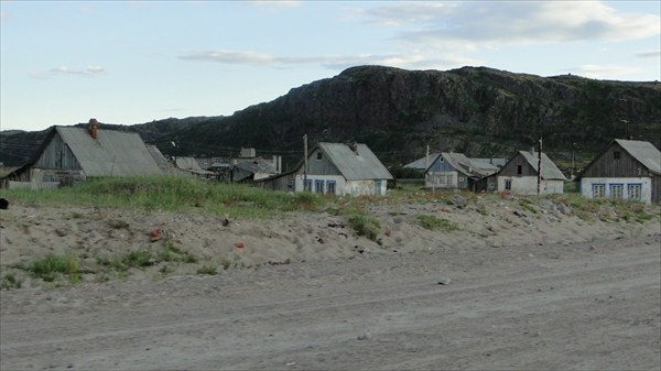 Пейзаж старой Териберки. Поселок известен с 16 века.