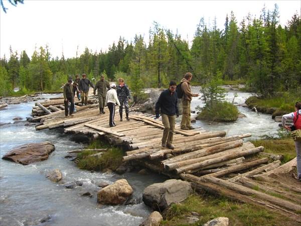 Остатки моста через Актру
