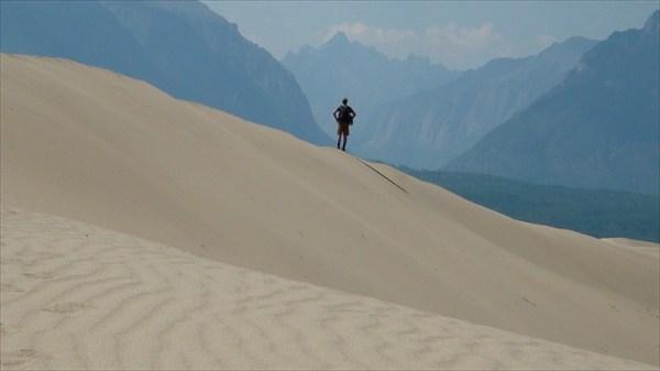 а может человек на дюне это тоже мираж?