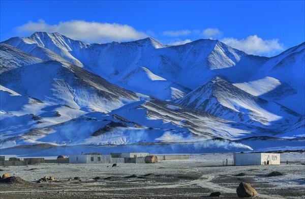на фото: плато Кара-Куль