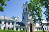 Монастырские ворота и колокольня