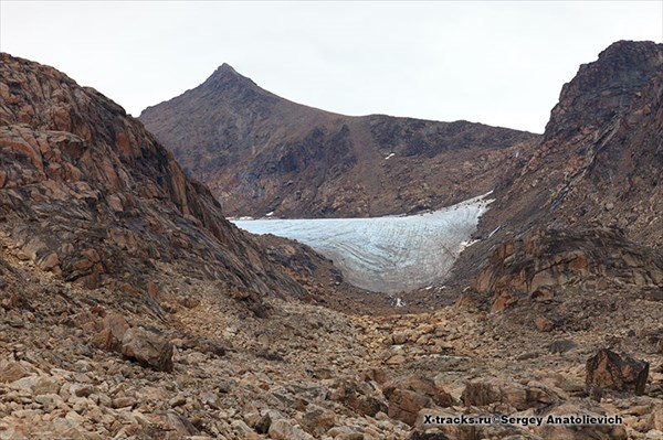 Ледник под вершиной Aqqutikitsoq.