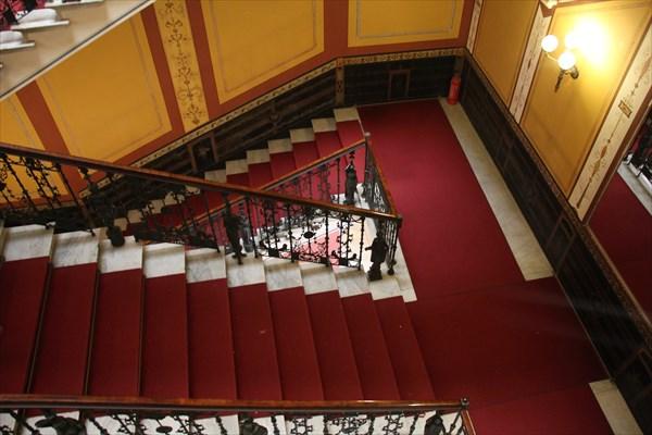 239-Лестница