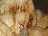 В сердце пещеры. Это не снега и не льды.