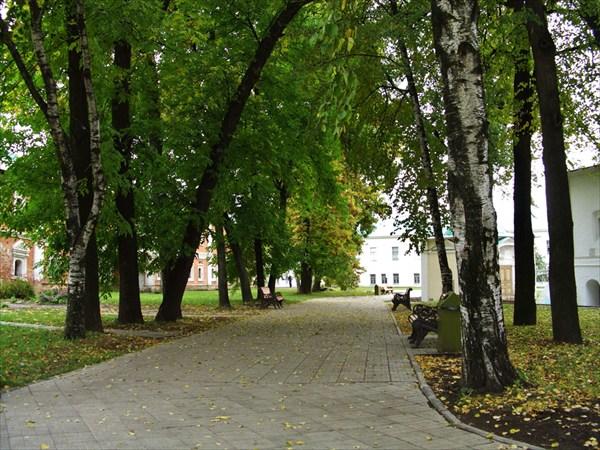 Дорожки монастыря.