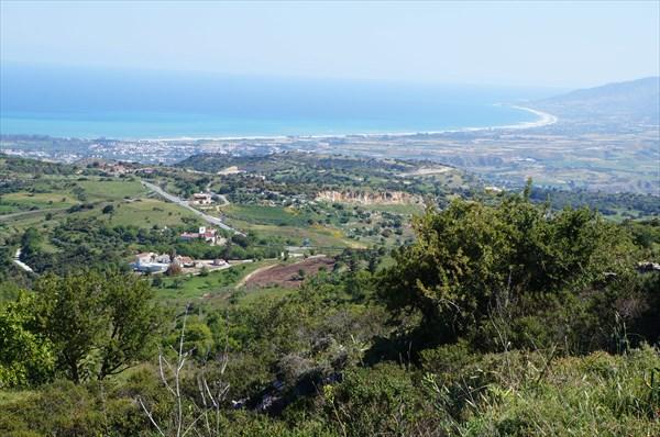 Вид сверху на залив Христокус и Полис