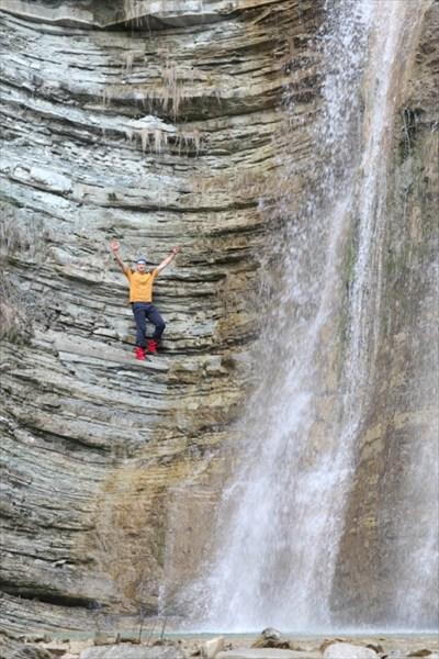 большой водопад и я для масштаба