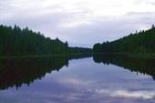 Ночь отражается в воде