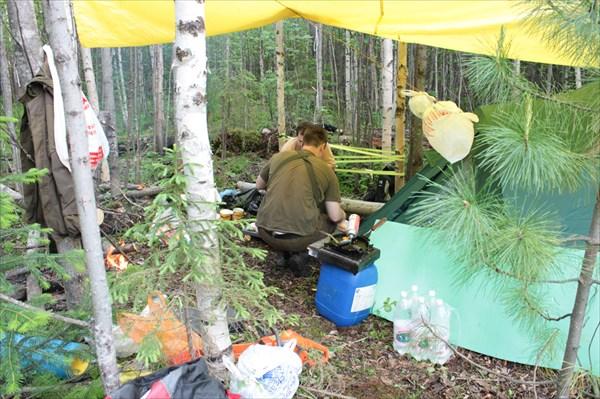 Наш лагерь у места впадения Жигалана в Улс