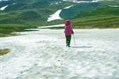 Снежник в верховьях реки Тышор