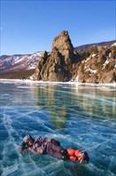 Подо мной около 110 см льда и 40 м воды...