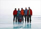 Вся наша команда на старте: Лёня, Лиза, Аня (впереди), Витя, Саш