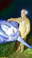 Алексею Акимову подарили ската, для перемещения по озеру