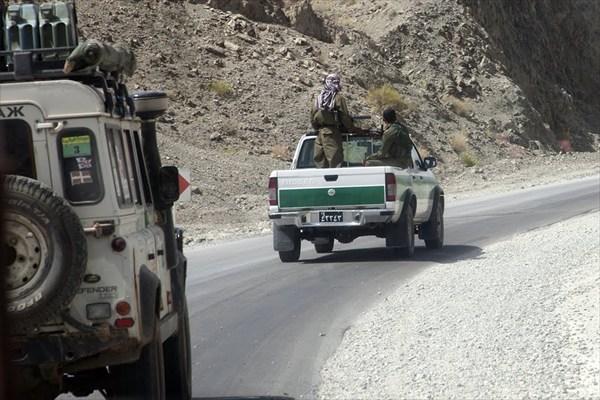 Наше сопровождение вдоль границы с Пакистаном