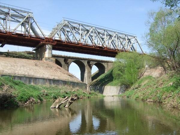 на фото: 79 ж д мосты