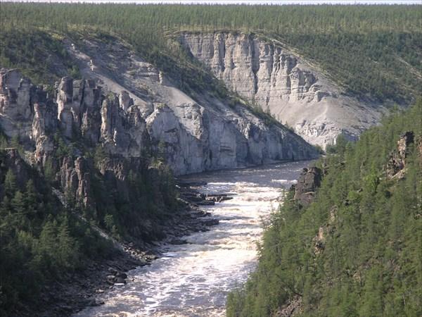 Вид на порог Водопадный с высоты