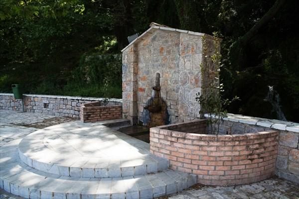 76.Леонидио-Скала