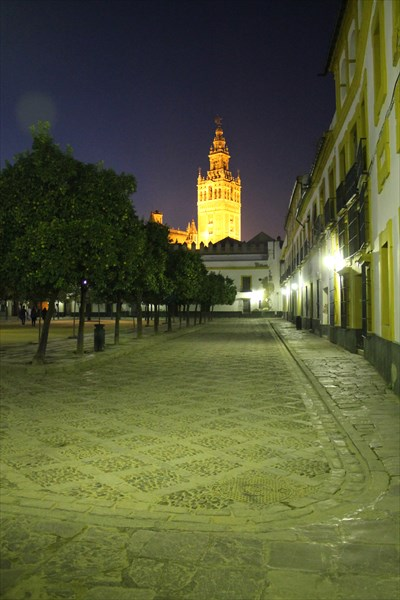Площадь Бандерос или Патио Флагов