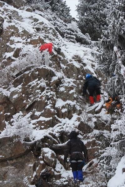 Скалы возле альплагеря.