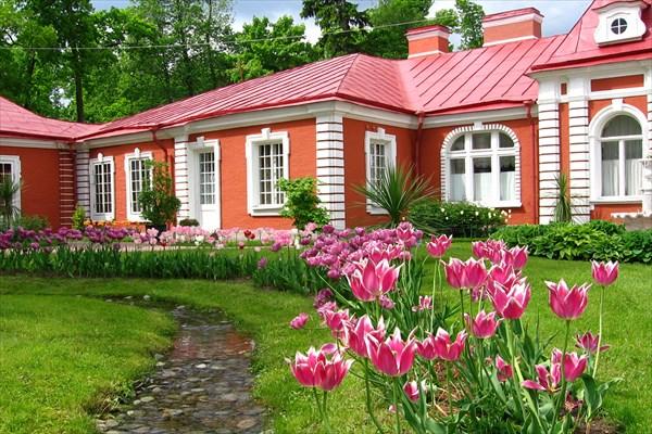 Дворец Монплецир в Петергофе.