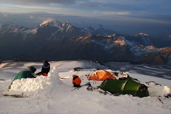 на фото: Elbrus_24