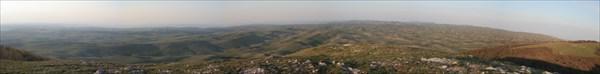 вид на Караби с горы Каратау