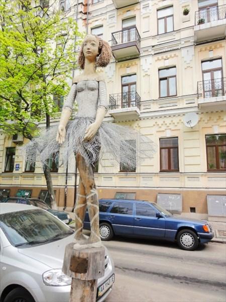 Балеринка в Киеве.