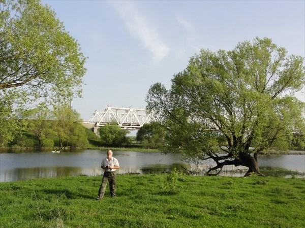 Место стапеля за мостом