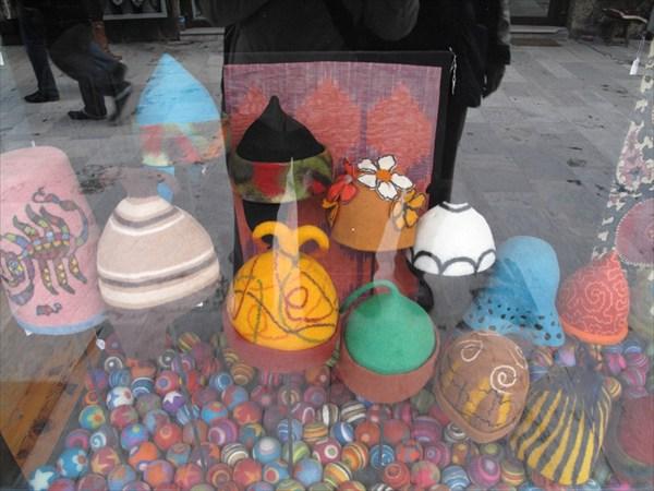 на арт-рынке, ул. малая Айя София