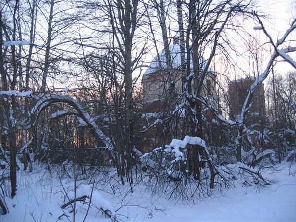 Церковь в лучах заката